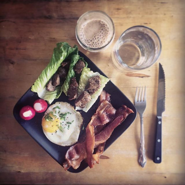 HelloBreakfast! HiFat! Recipe at KOBAfood.com #KOBA #chiropractic #neurology #nutrition #Berkeley #holistichealth #wellness #lifestyle #ketosis #ketogenic #keto #diet #grassfed #beef #shortribs #bacon #almondmilk #latte #eggs #paleo #aip #grainfree #dairyfree #glutenfree #lowcarb #hifat #KOBAketo #KOBAfood