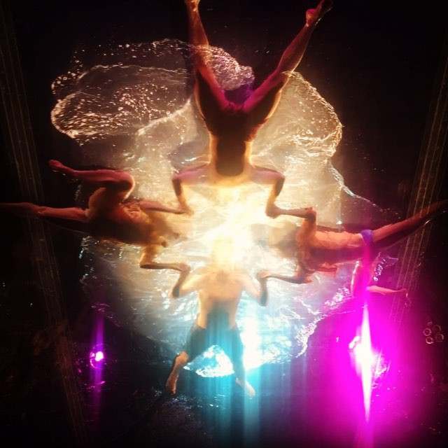 It's not every night you see an aerial water show. #KOBAchiropractic #Berkeley #LosAngeles #MaxBash #MaxBash2015 #AdobeMax #AdobeMax2015 #areweinvegas #aerial #watershow #fuerzabruta #soevents @soeventplanning