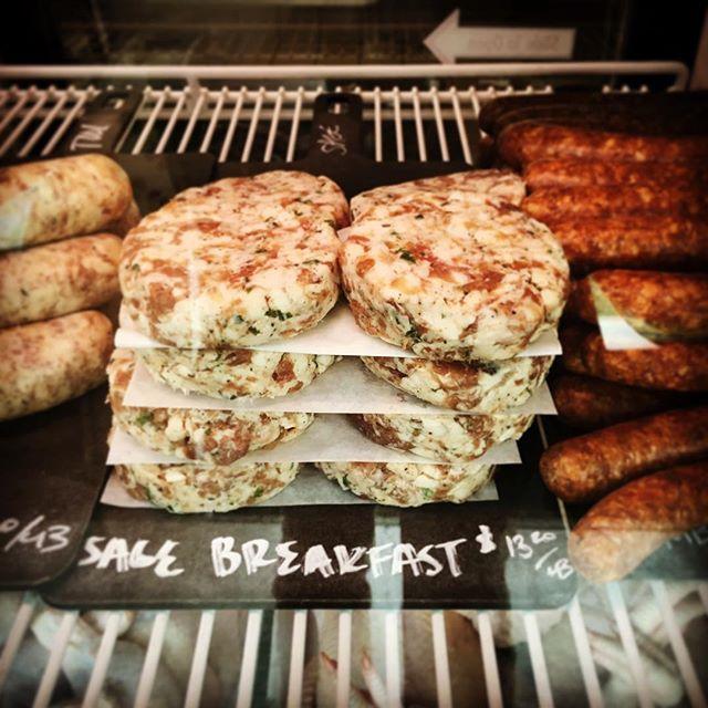Where we go to get our #paleo #keto sage sausage breakfast patty fix @thelocalbutchershop. #foodasmedicine #neurology #nutrition #healthyfats #fatbrain #healthybrain #hello.koba #drtituschiu #drnatashafallahi #functionalmedicine