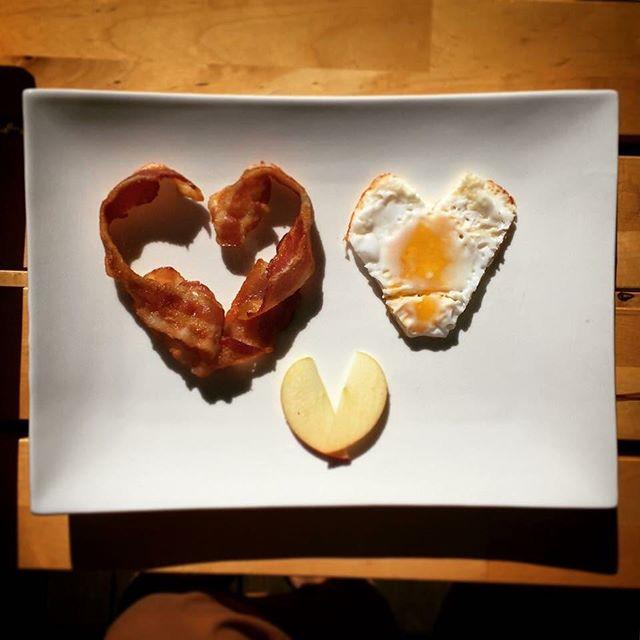 Wishing you a happy and healthy heart today!  #KOBAfamilywellness #Berkeley #chiropractic #nutrition #neurology #homeopathy #bioenergeticmedicine #foodasmedicine #paleo #aip #autoimune #modernbrain #themodernbrain #familywellness #holistichealth #bacon #baconandeggs #glutenfree #grainfree #dairyfree #hearts #highfat #lowcarb #keto #ketosis #ketogenic #ValentinesDay #love #KOBAketo #KOBAfood
