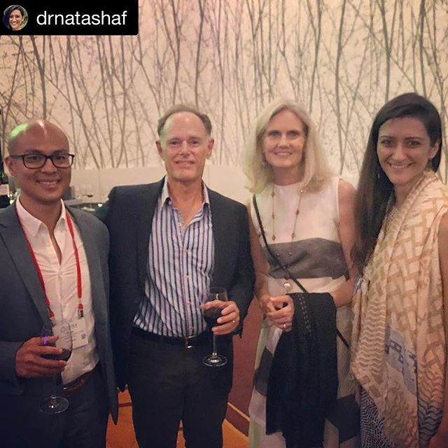 Behind every great couple is a healthy, thriving mutual microbiome  After following @davidperlmutter and @leizeperlmutter for so long it was so great to finally meet them! What a warm and magical couple!  @drnatashaf sums it up perfectly: #couplegoals . . . #relationshipgoals #mutualmicrobiome #healthymaritalmicrobiome #microbiome #aic2017la #nrf2 #mitochondria #liquidresveratrol #resveratrol #welovewine #Sensorigenomics #instituteforfunctionalmedicine #TheModernBrain #gutbrainconnection #neurologymatters #brainhealth #healtheguthealyourbrain #brainmaker #KOBA #drtituschiu #drnatashafallahi