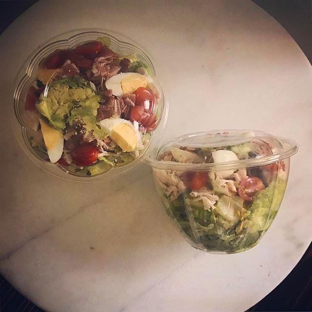 LA next stop: Mendocino Farms for a quick #gfdf Chicken Cobb Salad. Hold the cheese and tortilla. Add prosciutto and extra bacon. Sub citrus vinaigrette. . #greensonthego #aip #autoimmune #gfdessert #aipreintro #paleo #guthealth #brainhealth #gfdf #JERF #foodstagram #glutenfree #dairyfree #vegan #hashimotos #chiropractic #nutrition #functionalmedicine #functionalneurology #homeopathy #KANARIlife #theKANARIlife #helloKOBA #DrNatashaFallahi #DrNatashaF #DrTitusChiu #TheModernBrain #Sensorigenomics #AIC2017